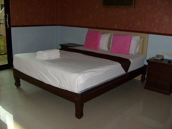 Grand Amazon Hotel: good bed