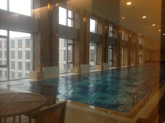Hilton Beijing Capital Airport: Nice pool