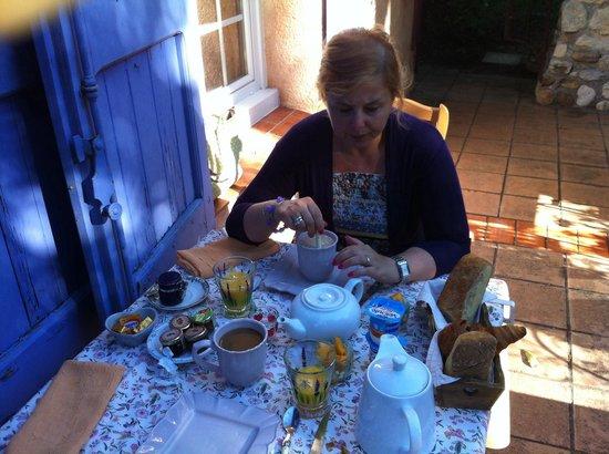 Le Clos des Iris : La bellissima e buonissima colazione