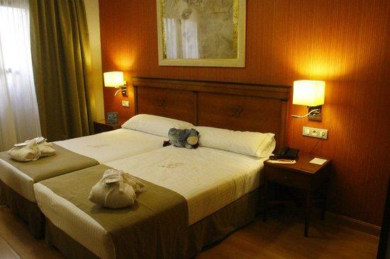 Hotel Becquer: The bedroom