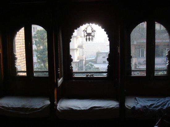 Kantipur Temple House: Window sitting area