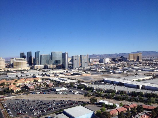 Palms Casino Resort : Superior king room (Fantasy Tower) - view from 34th floor 2014-03-19