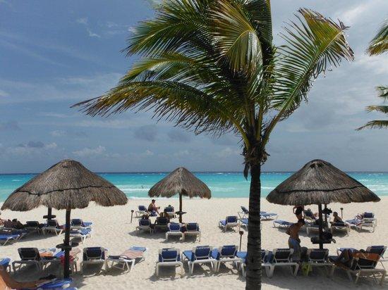 Allegro Playacar: On The Beach
