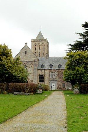 Abbaye de la Lucerne: abbazia
