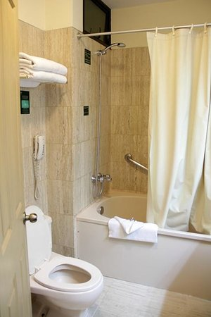 Hotel Jose Antonio Cusco: bathroom