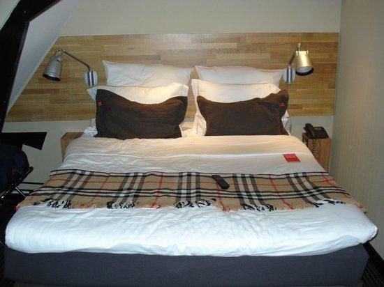Hotel Vondel: Dubbel bed