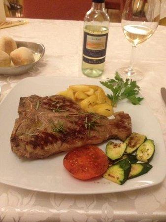BEST WESTERN Cavalieri Della Corona: t-bone steak......