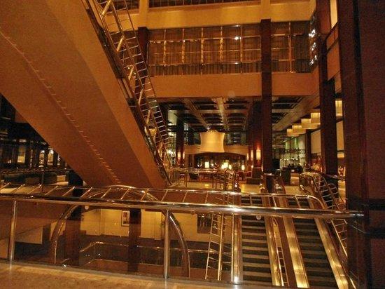 Sheraton Centre Toronto Hotel : Lobby