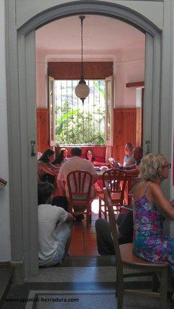 Centro de Enseñanza de Español La Herradura: Hall and living room