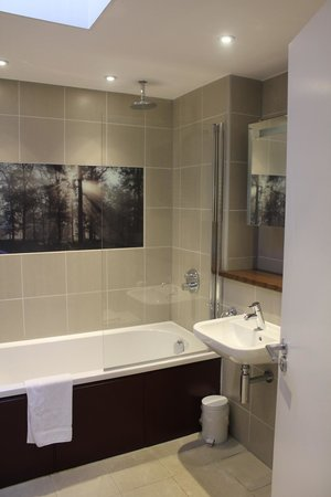 Center Parcs Longleat Forest: Amazing bathroom. high quality