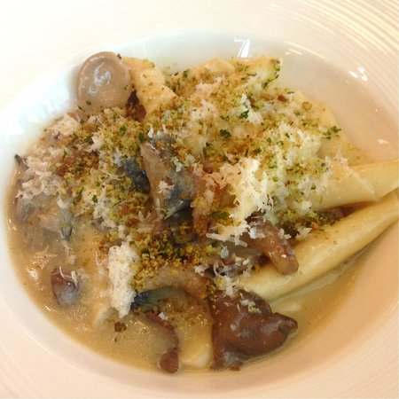 DB Bistro & Oyster Bar: Penne Alburfera - the fresh pasta is really enjoyable