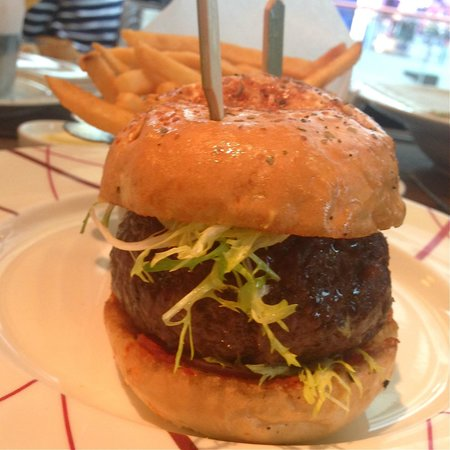 DB Bistro & Oyster Bar: The original db burger