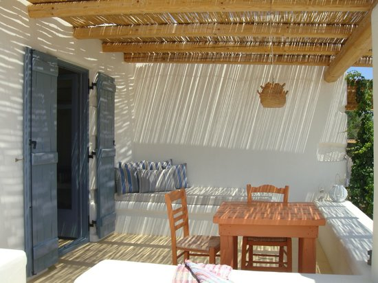 Pambelos Lodge: βεράντα