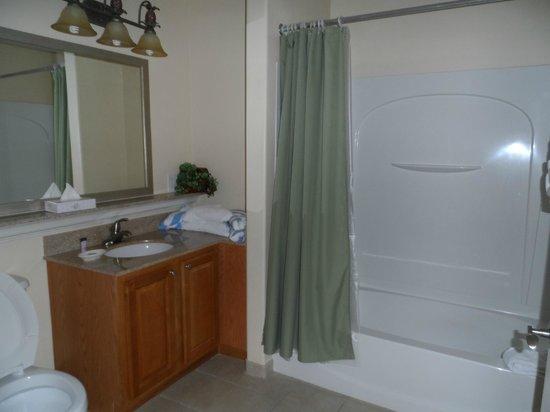 Blue Heron Beach Resort : second bathroom