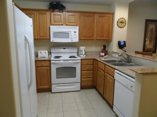Blue Heron Beach Resort : kitchen