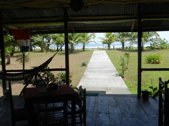 Cabinas y Restaurante La Princesa del Mar: view to the sea from restaurant