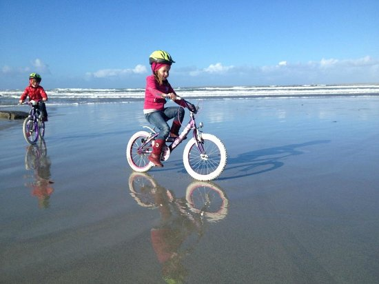 Belmullet Adventure Center: Cycling Cross Beach along Cross Loop Walk