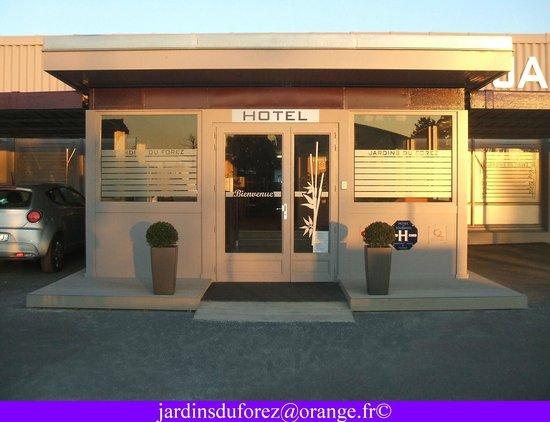 Hotel Les Jardins du Forez : Entrée