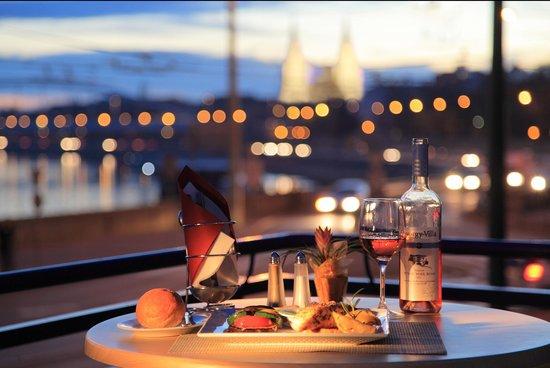 Tisza Café & Restaurant