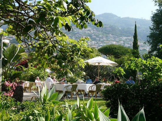 Quinta Jardins do Lago : Breakfast Terrace in the Garden
