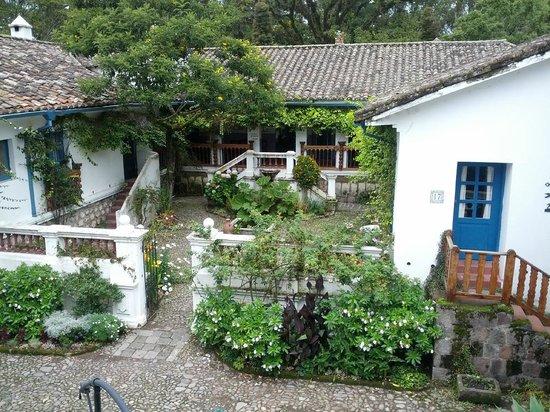 Hacienda Cusin: Courtyard
