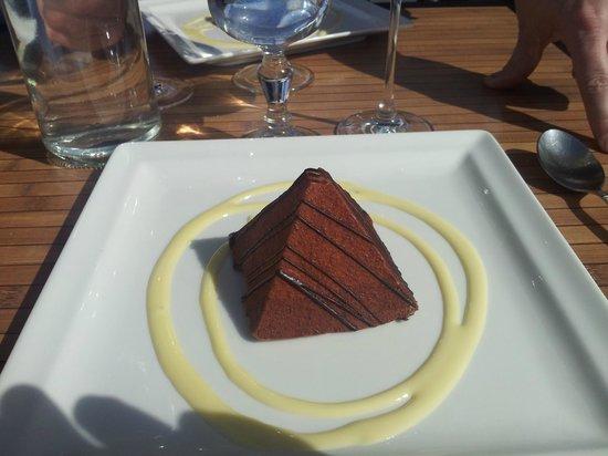 La Voile Bleue : pyramide 3 chocolats
