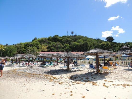Halcyon Cove by Rex Resorts: Beach