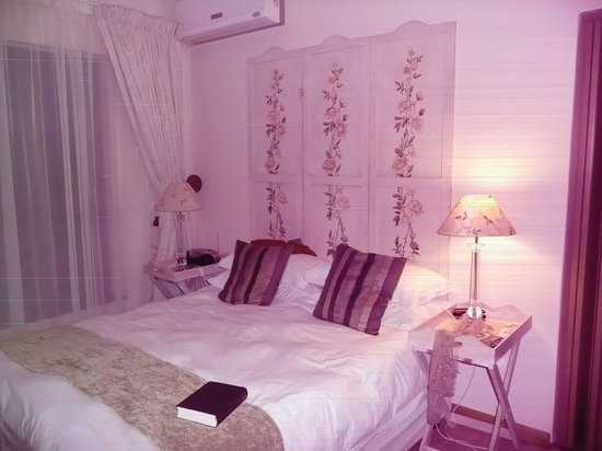 Aqua Marina Guest House: schönes Zimmer zum Garten