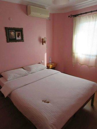 Hotel Nazar: Bedroom