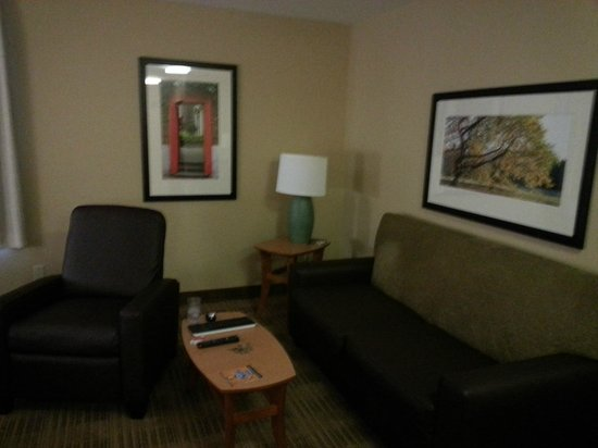 Extended Stay America - Seattle - Renton: Seating/Living Area