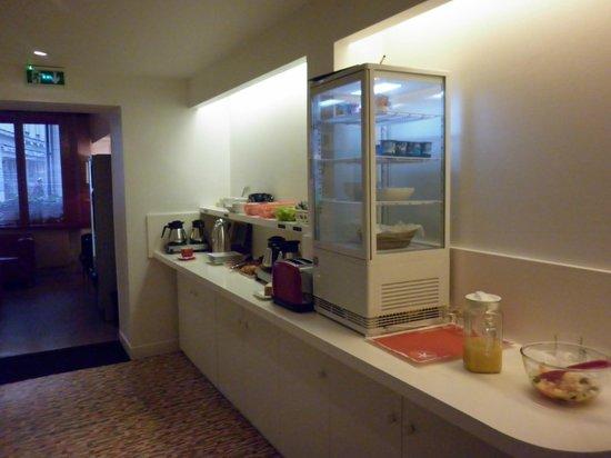 Hotel Lecourbe: El área de comedor ( desayuno)