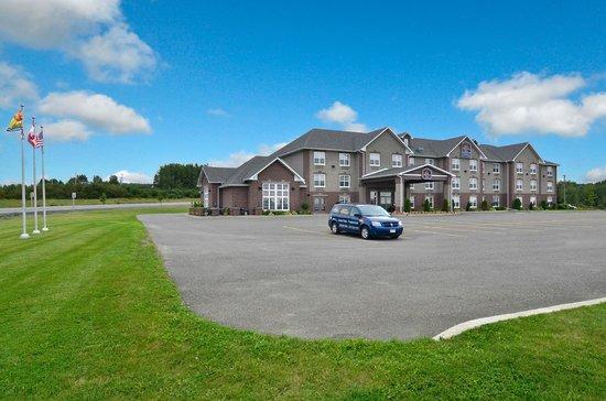 BEST WESTERN PLUS Grand-Sault Hotel & Suites: Exterior