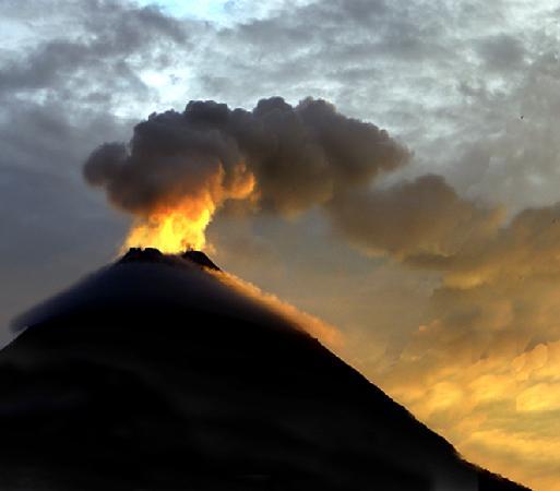 Arenal Volcano Inn : Vista Volcán Arenal
