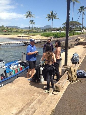Kauai Down Under Dive Team : Ending a great dive day at the harbor