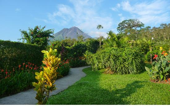 Arenal Volcano Inn: Vista Jardines