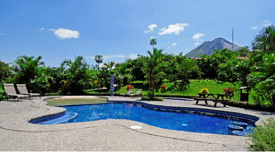 Arenal Volcano Inn : Piscina
