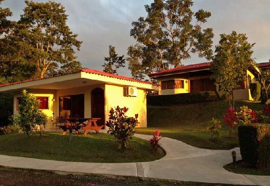 Arenal Volcano Inn: Habitaciones
