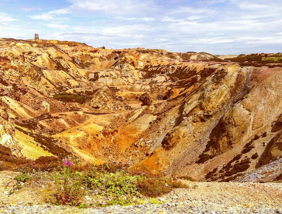 Amlwch Copper Kingdom : Like a walk on Mars!
