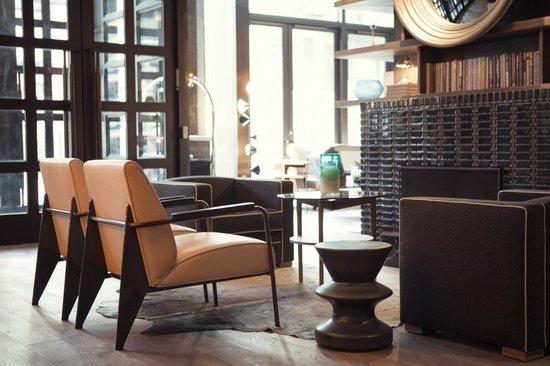 Thompson Chicago, a Thompson Hotel : Lobby