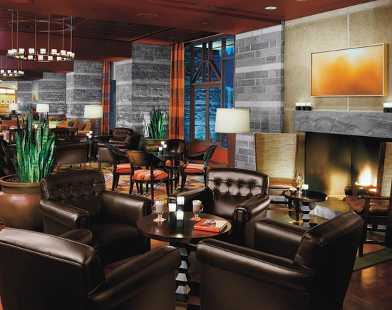 Four Seasons Resort and Residences Whistler: Fifty Two 80 Eatery + Bar
