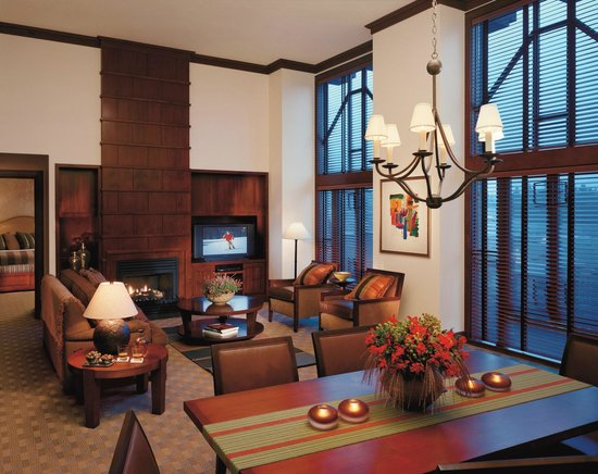 Four Seasons Resort and Residences Whistler: Two-Bedroom Premier Executive Suite