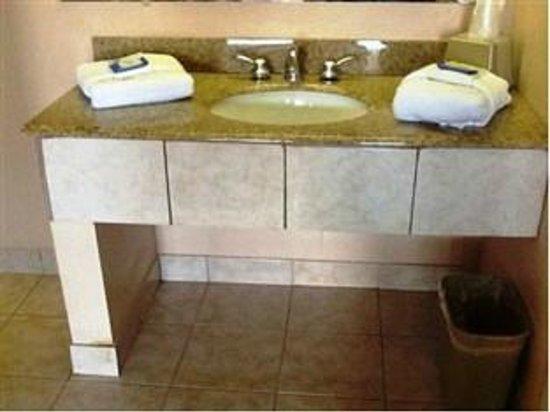 Select 10 Motel: Remodeled bathrooms