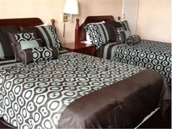 Select 10 Motel: Double Beds