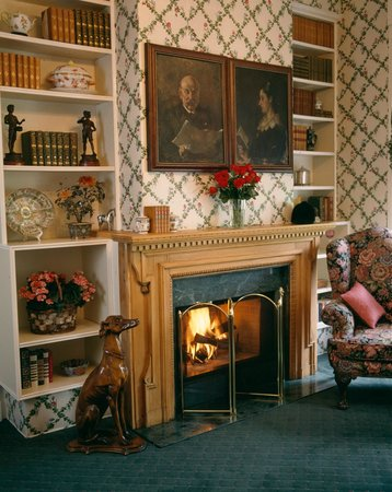 The Residence Hotel: The English Victorian