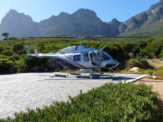"""The Twelve Apostles Hotel and Spa: Helicopter arriving for our """"flip"""" to the V&A Waterfront!"""