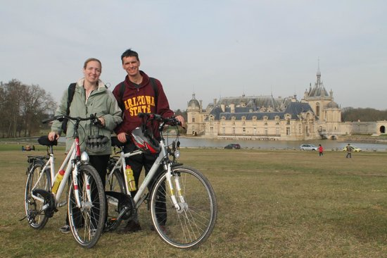 French Mystique Bike Tours: Castle and stables