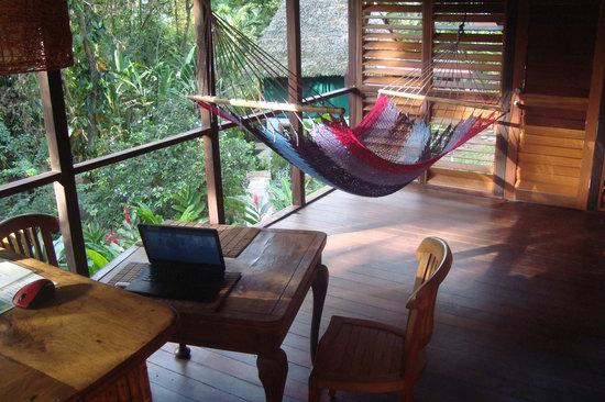 Monkey Tree Casitas : casita 2 veranda