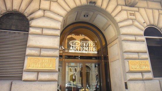 Hotel Artemide: ホテル