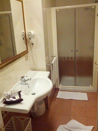 Ambienthotels Villa Adriatica: Ampia doccia