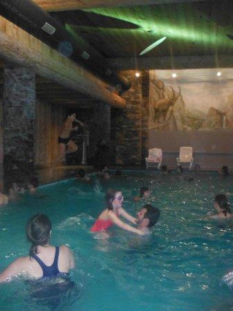Pierre & Vacances Premium Residence Les Hauts Bois: espace piscine